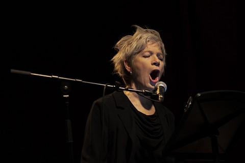 Lori Freedman / XXX_Live_Nude_Girls, La Sala Rossa, Montréal (Québec) [Photo: Elaine Louw Graham, Montréal (Québec), 20 janvier 2020]