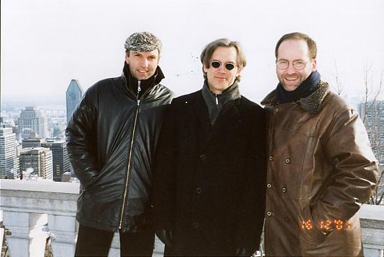 Hans Tutschku and John Young, guest composers for the Rien à voir (10) event, frame Robert Normandeau at Mont-Royal's Belvedère sud [Montréal (Québec), December 16, 2001]