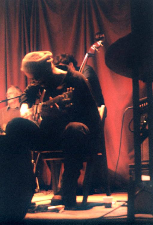Po (John Heward, Sam Shalabi, Alexandre St-Onge, Rainer Wiens) live at La Sala Rossa [Photo: James Schidlowsky, Montréal (Québec), March 25, 2003]