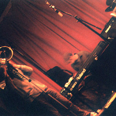 Jacques Gravel & Jesse Levine live at La Sala Rossa [Photo: James Schidlowsky, Montréal (Québec), March 25, 2003]