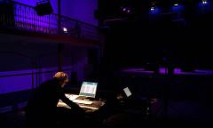 Elizabeth Anderson en répétition pour le concert ÉlectroBelge [Photo: Rafael Muñoz Gomez, Bruxelles (Belgique), 23 mars 2016]