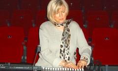 Elizabeth Anderson en répétition pour un concert dans le cadre du Festival Loop 6 [Photo: Virginie Viel, Bruxelles (Belgique), 30 novembre 2013]