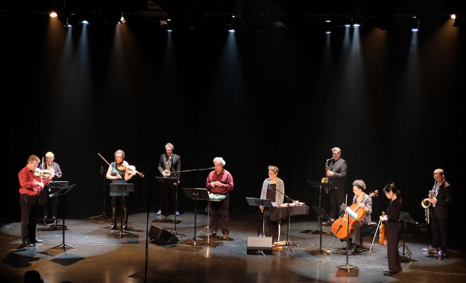 Quatuor Bozzini, Quasar, Nous perçons les oreilles qui jouent la pièce Tags [Photo: Céline Côté, Montréal (Québec), 5 octobre 2018]
