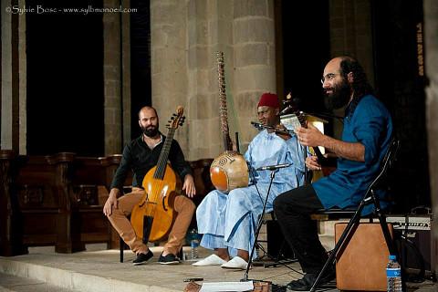 Constantinople lors du concert Jardins migrateurs dans le cadre du festival de musique Conques, la lumière du Roman [Photograph: Sylvie Bosc, Conques (Aveyron, France), August 1, 2013]