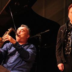 Jim Denley & Joane Hétu meet in concert [Photograph: Laura Krutz Photography, Vancouver (British Columbia, Canada), November 21, 2016]