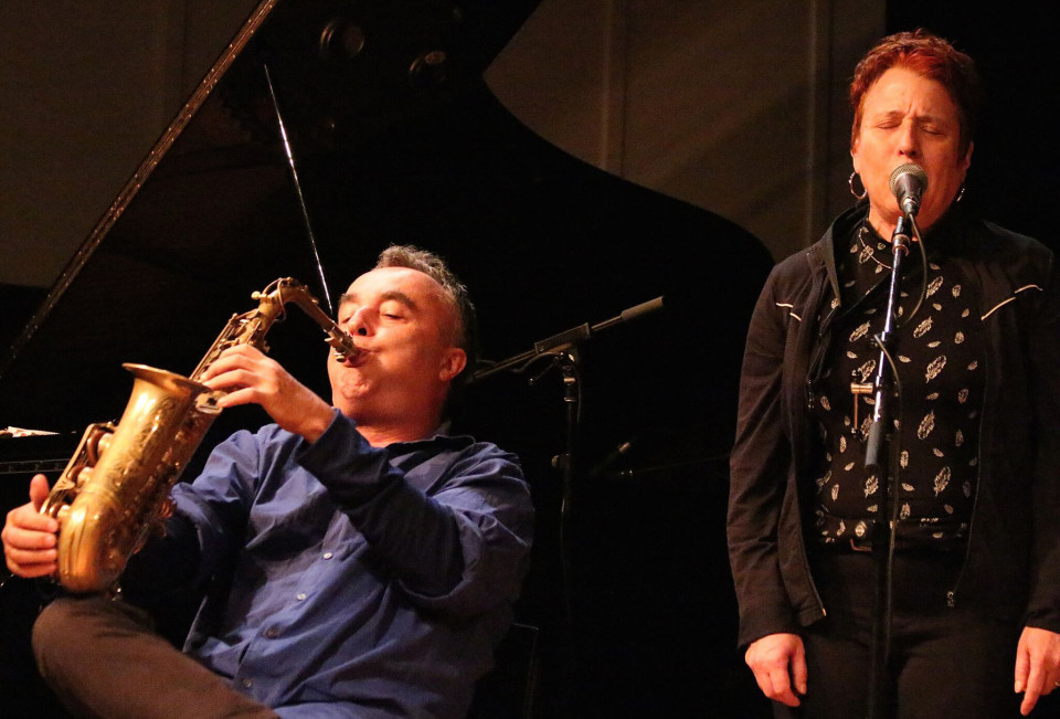 Rencontre de Jim Denley et Joane Hétu en concert [Photo: Laura Krutz Photography, Vancouver (Colombie-Britannique, Canada), 21 novembre 2016]