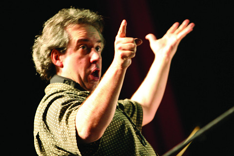 Jean Derome en concert au 25e FIMAV [Photo: Martin Morissette, Victoriaville (Québec), 15 mai 2008]