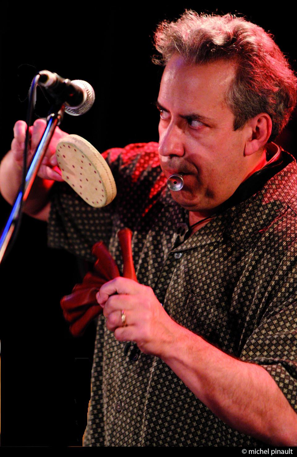 Jean Derome / Concert, Lion d'Or, Montréal (Québec) [Photograph: Michel Pinault, Montréal (Québec), October 8, 2011]