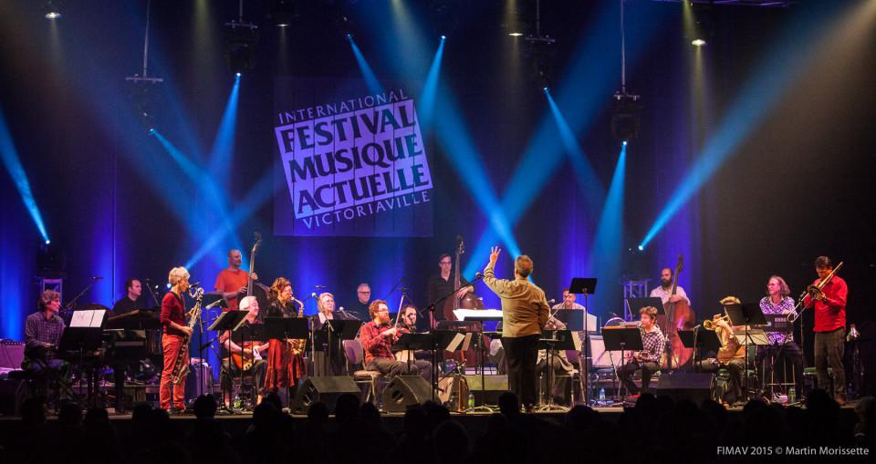 Jean Derome + 19: Résistances en concert au FIMAV 2015 [Photo: Martin Morissette, Victoriaville (Québec), 14 mai 2015]