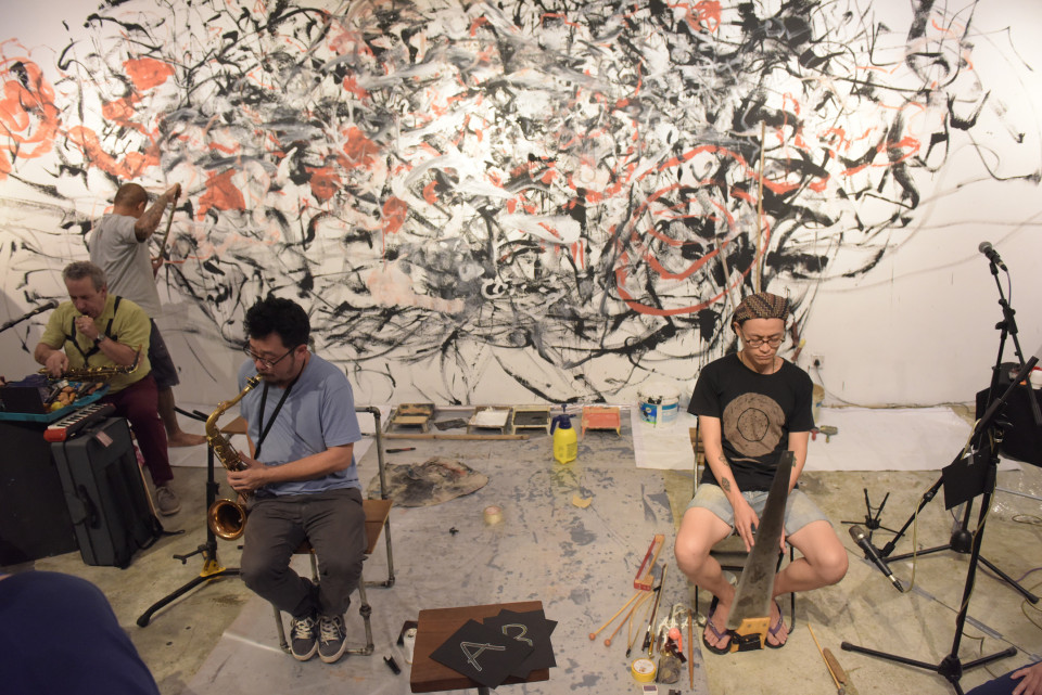 Jean Derome, Yong Yandsen, Tey Beng Tze, Liu Fangyi [Photograph: Bannai Roo, Kuala Lumpur (Malaysia), December 2, 2016]