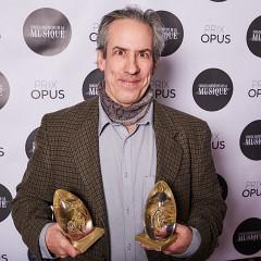 Jean Derome et ses deux prix Opus [Photo: Charles Bélisle, Montréal (Québec), 3 février 2019]