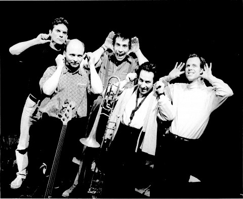 Jean Derome et les Dangereux Zhoms, from left to right: Guillaume Dostaler, Pierre Cartier, Tom Walsh, Jean Derome, Pierre Tanguay [Photo: Josée Lambert]