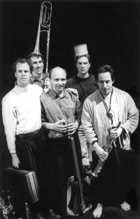 Jean Derome et les Dangereux Zhoms, from left to right: Pierre Tanguay, Tom Walsh, Pierre Cartier, Guillaume Dostaler, Jean Derome [Photo: Josée Lambert]
