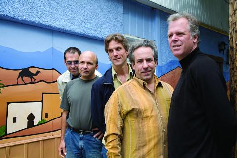 Jean Derome et les Dangereux Zhoms, from left to right: Tom Walsh, Pierre Cartier, Guillaume Dostaler, Jean Derome, Pierre Tanguay [Photo: Richard-Max Tremblay, September 2007]