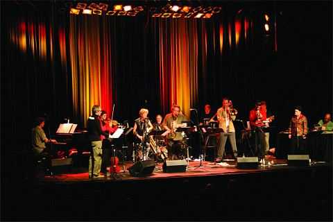 Jean Derome et les Dangereux Zhoms in concert at the 25th FIMAV [Photo: Martin Morissette, Victoriaville (Québec), May 15, 2008]
