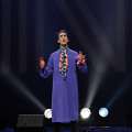 Gabriel Dharmoo lors du concert Le cabaret qui ruisselle, dans le cadre du festival Montréal / Nouvelles Musiques 2021. [Photo: Céline Côté, Montréal (Québec), 24 février 2021]