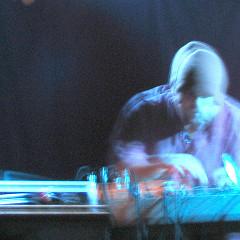 Érick d'Orion in concert, O Patro Vys [Photograph: James Schidlowsky, Montréal (Québec), November 25, 2004]