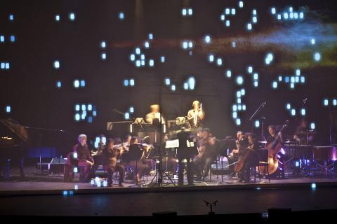 Ensemble contemporain de Montréal (ECM+) lors du concert Les 5 as, Salle Pierre-Mercure [Photo: Laurent Castellucci, Montréal (Québec), May 4, 2011]