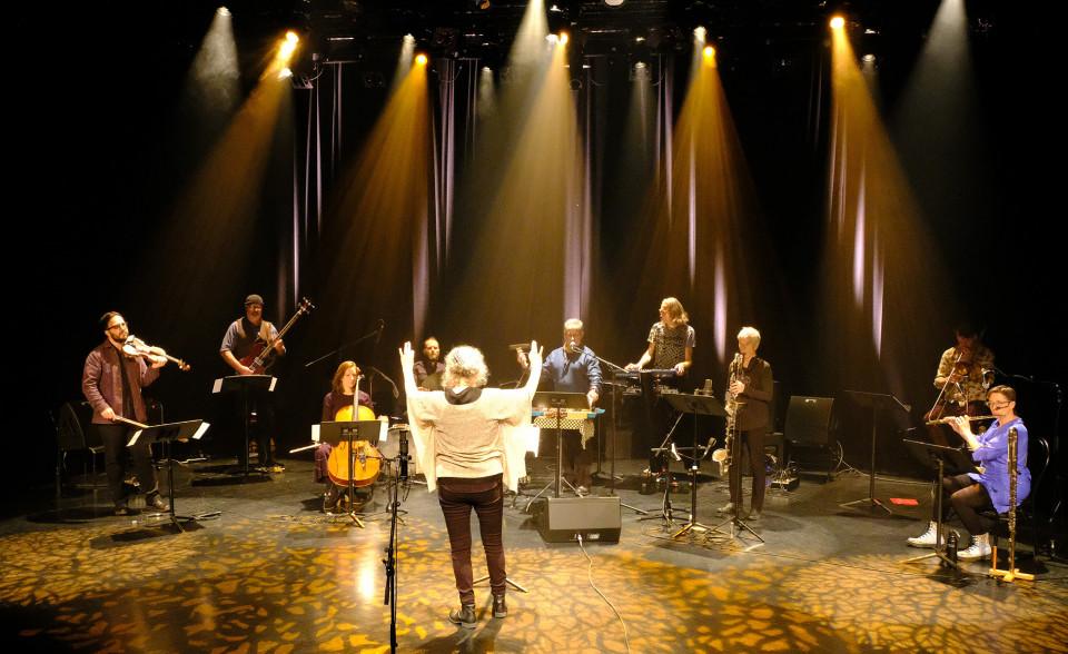Photography of the stage during the video recording in the Amphithéâtre — Le Gesù [Photo: Céline Côté, Montréal (Québec), November 26, 2020]
