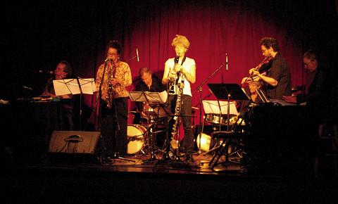 Ensemble SuperMusique (ESM): Jean Derome; Joane Hétu; Pierre Tanguay; Lori Freedman; Danielle Palardy Roger; Joshua Zubot; Diane Labrosse