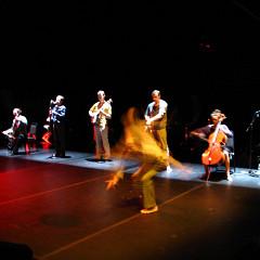 """Ensemble SuperMusique (ESM) during the """"Treize lunes"""" show [Montréal (Québec), February 2007]"""