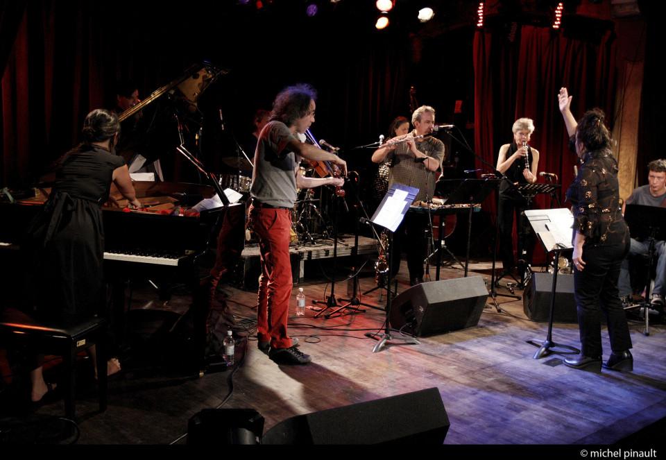 Ensemble SuperMusique (ESM) [Photo: Michel Pinault, Montréal (Québec), 8 octobre 2011]