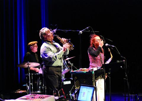 Ensemble SuperMusique (ESM): (Jean Derome; Pierre Tanguay; Joane Hétu) [Photo: Jonathan , Jonquière (Québec), 18 mai 2013]