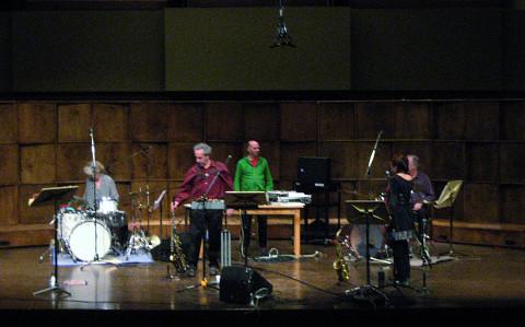 Les musiciens de l'Ensemble SuperMusique (ESM) en concert à Terre-Neuve [St John's (Terre-Neuve-et-Labrador, Canada), 22 octobre 2013]