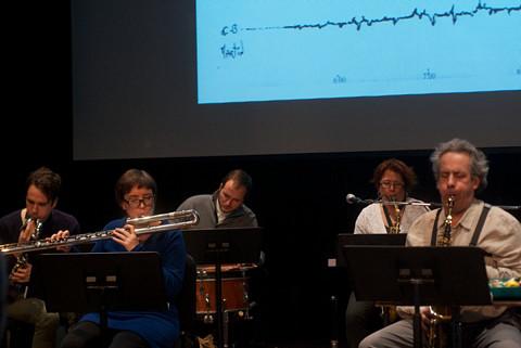 Ensemble SuperMusique (ESM) (de gauche à droite: Corinne René; Lori Freedman; Nicolas Caloia; Pierre-Yves Martel) [Photo: Graham Ord, Montréal (Québec), 1 février 2014]