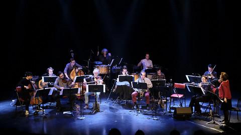 L'Ensemble SuperMusique (ESM) interprète la pièce En arrivant par le nuage de Oort [Photo: Céline Côté, Montréal (Québec), 6 avril 2017]