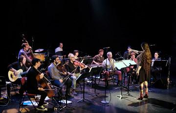 Ensemble SuperMusique (ESM), under the direction of Lisa Cay Miller, plays the piece Water Carrier [Photo: Céline Côté, Montréal (Québec), April 6, 2017]