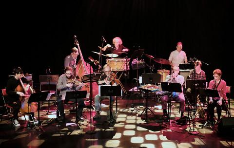 Ensemble SuperMusique (ESM) plays the piece Préoccupant, c'est préoccupant [Photograph: Céline Côté, Montréal (Québec), April 6, 2017]