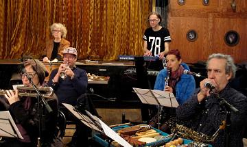 Ensemble SuperMusique (ESM) / Also pictured: Danielle Palardy Roger, Craig Pedersen, Cléo Palacio-Quintin, Vergil Sharkya', Isabelle Duthoit, Jean Derome [Photo: Céline Côté, Montréal (Québec), April 29, 2018]