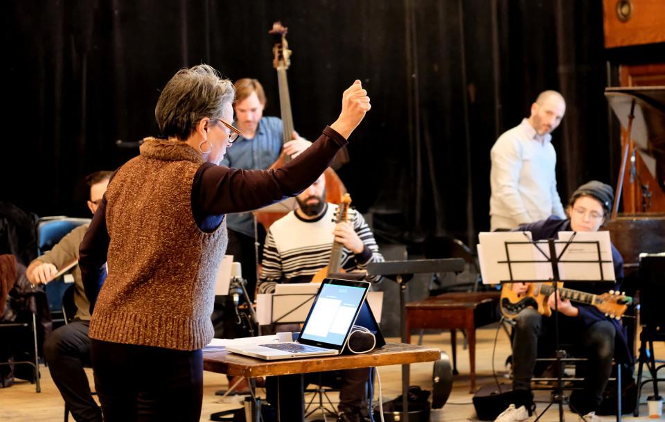 Ensemble SuperMusique (ESM), Joane Hétu, Guido Del Fabbro, Aaron Lumley, Pierre-Yves Martel, Ofer Pelz, Vicky Mettler [Photo: Céline Côté, Montréal (Québec), 26 novembre 2017]