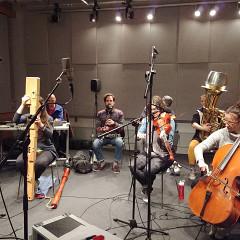 Ensemble SuperMusique (ESM), Cléo Palacio-Quintin, Terri Hron, Martin Tétreault, Philippe Lauzier, Scott Thomson, Émilie Girard-Charest [Photo: Ida Toninato, Montréal (Québec), January 2019]