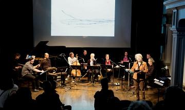 Explication de Danielle Palardy Roger pendant l'atelier [Photo: Céline Côté, Montréal (Québec), November 3, 2019]