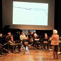 Discussion autour de la partition pendant l'atelier [Photo: Céline Côté, Montréal (Québec), 3 novembre 2019]