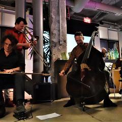 The Ensemble SuperMusique (ESM) during the deambulatory concert at Goethe-Institut under the direction of Christopher Williams [Photograph: Céline Côté, Montréal (Québec), December 7, 2018]