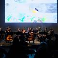Ensemble SuperMusique (ESM) interpréte lors du concert Spationautes la pièce Spationautes de Cléo Palacio-Quintin [Photo: Céline Côté, Montréal (Québec), 10 avril 2019]
