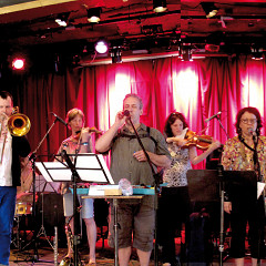 In concert in Montréal, the Ensemble SuperMusique (ESM) and the Bozzini Quartet. Left to right: Clemens Merkel; Scott Thomson; Danielle Palardy Roger; Ulrike Stortz; Jean Derome; Stéphanie Bozzini; Joane Hétu; Pierre Tanguay; Isabelle Bozzini and Martin Tétreault (outside the frame) [Photograph: Céline Côté, Montréal (Québec), June 15, 2014]