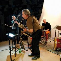 Jean Derome, Pierre Tanguay, Pierre Cartier in concert at the Casa Obscura [Photo: Jean-Claude Désinor, Montréal (Québec), March 7, 2014]