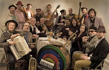 Fanfare Pourpour [Photo: Katia Gosselin, February 2010]