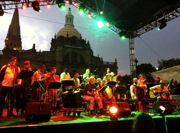 La Fanfare Pourpour in Mexico [May 23, 2012]