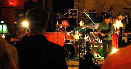 Foodsoon live at La Sala Rossa, Suoni per il Popolo festival 2007 [Montréal (Québec), June 2007]