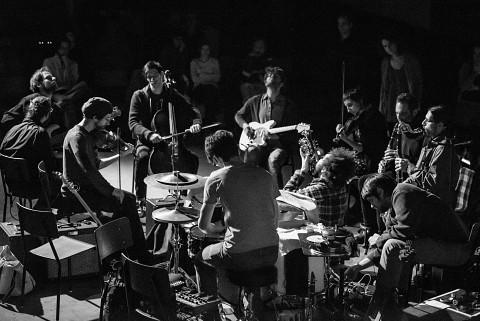 Grand groupe régional d'improvisation libérée (GGRIL) [Photo: Mathieu Gosselin, Rimouski (Québec), novembre 2014]