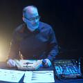Gaëtan Gravel / L'Atlas des films de Giotto — Musiques réelles pour films imaginaires, Espace orange – Édifice Wilder – Espace danse, Montréal (Québec) [Photo: Céline Côté, Montréal (Québec), 3 octobre 2021]