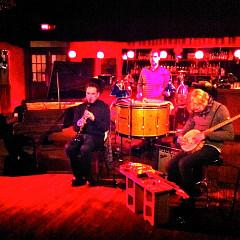 En concert à Montréal, de gauche à droite: Christian Wallumrød, Xavier Charles, Ingar Zach, Ivar Grydeland [Montréal (Québec), 12 décembre 2010]