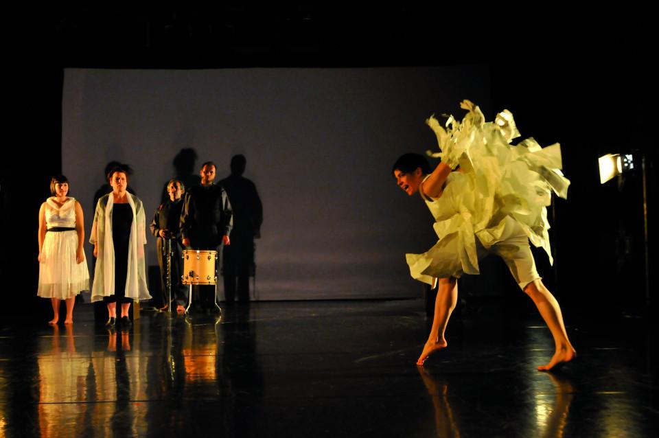 Alice Tougas St-Jak,Joane Hétu, Jean Derome, Isaiah Ceccarelli, Susanna Hood, in the piece Enthousiasme [Photograph: Sandra Fotozone, Montréal (Québec), October 27, 2010]