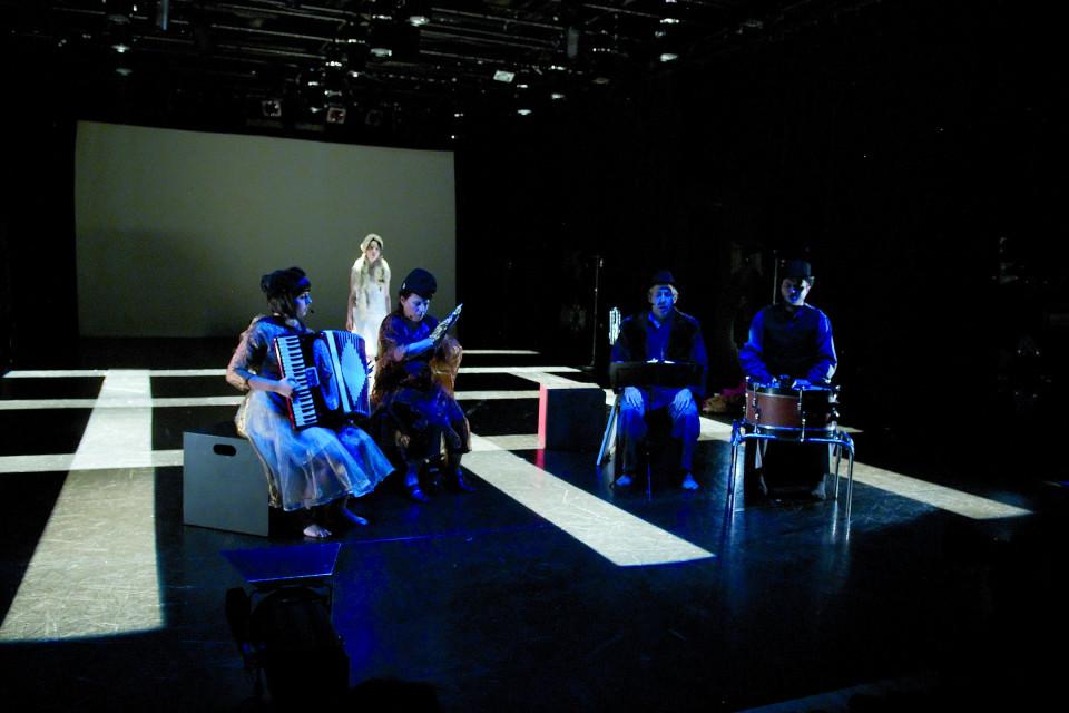 Alice Tougas St-Jak, Joane Hétu, Susanna Hood, Jean Derome, Isaiah Ceccarelli, in the piece Nue [Photograph: Jean-Claude Désinor, Montréal (Québec), October 27, 2010]