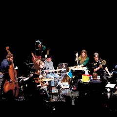 Photomontage: Maggie Nicols, Grand groupe régional d'improvisation libérée (GGRIL) (photo: Yvan Couillard)